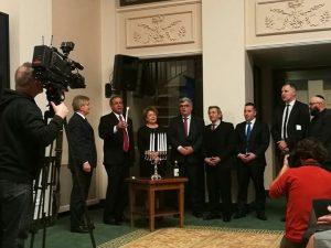 חנוכה בבית נשיאת ליטא