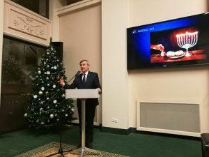 חנוכה בבית נשיאת ליטא1