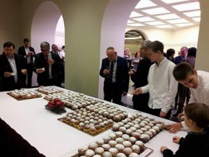 חנוכה בבית נשיאת ליטא3