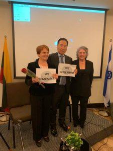 איגה וסוגיהרה יחד עם מיקי קנטור באירוע חסידי אומות העולם 2019